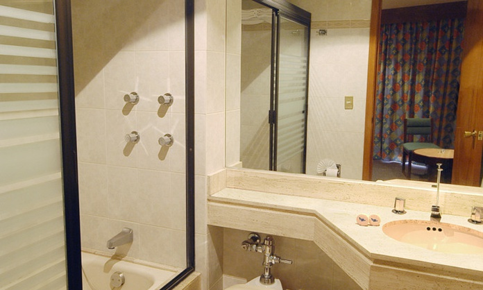 STANDARD TRIPLE ROOM WITH 3 BEDS Marlowe Hotel México D. F.